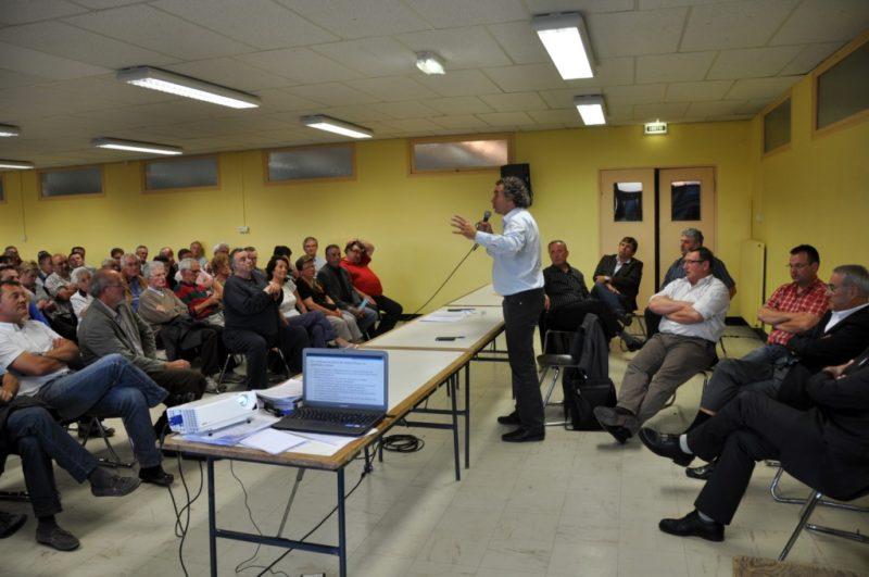 Réunion publique en 2011 pour le contournement de Saint-Flour