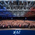 Photo panoramique des élus avec leurs écharpes tricolores - Arnaud Février pour l'AMF