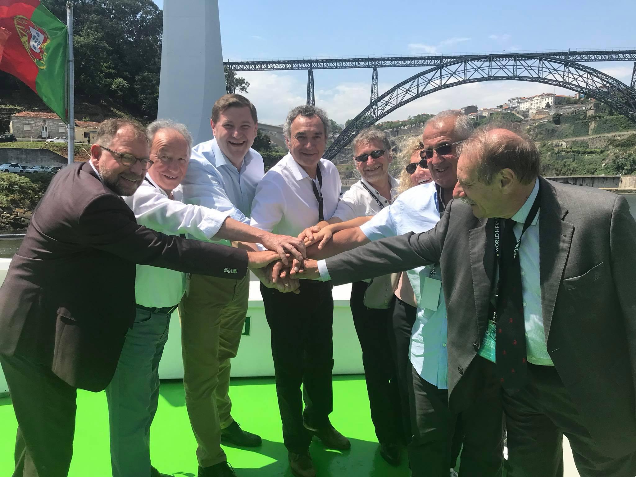 Pierre Jarlier et les élus de porto lors word heritage congress