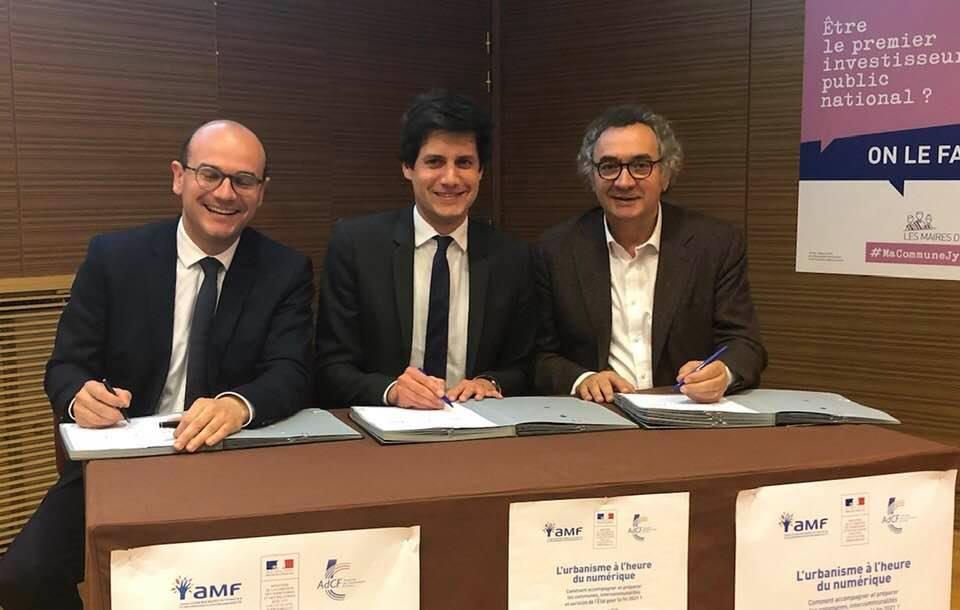 signature-charte de partenariat-amf-etat-adcf